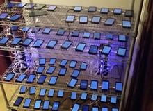"""Đột nhập trang trại cày view của """"nông dân"""" Mỹ, nơi hàng trăm chiếc smartphone kiếm tiền cho chủ nhân mua bỉm, mua bia..."""