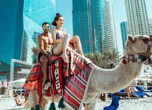 Ngọc Trinh tiếp tục khoe ảnh diện nội y 2 mảnh khi cưỡi lạc đà tại Dubai
