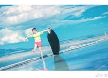 """Cosplay Vô Diện và Chihiro trong Spirited Away đi du lịch """"sương sương"""" ở biển đẹp rụng rời"""