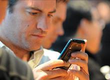 Càng dùng smartphone nhiều sẽ càng dễ... phản bội
