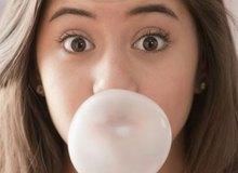Nhai kẹo cao su là nguyên nhân gây ra bệnh đau đầu