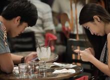"""Internet cùng smartphone là """"cản trở"""" của rất nhiều cặp đôi"""