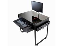 Cận cảnh case máy tính cực chất trong... gầm bàn