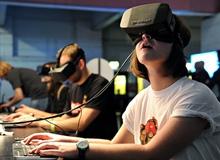 Microsoft ngừng cạnh tranh với Oculus Rift?