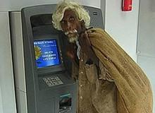 """Máy ATM và những cảnh """"đỡ không nổi"""""""