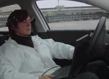 Dùng não để lái xe ô tô?