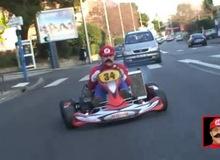 Giả làm Mario quậy tưng đường phố Pháp