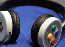 [Video] Phá tay cầm chế headphone