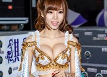 Nhìn lại những hình ảnh thú vị về showgirl trong năm 2013