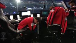 """""""Quỷ Vương Bất Tử"""" - Faker gục xuống bàn máy tính khóc, Samsung Galaxy chính thức là tân vương Liên Minh Huyền Thoại mùa 7"""