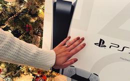 Lãng mạn như game thủ, dùng PS5 để cầu hôn bạn gái