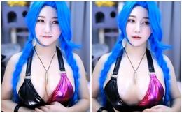 Cosplay Jinx phiên bản nóng bỏng, nữ streamer gặp rắc rối, bị chỉ trích phá hoại nhân vật vì vòng một quá khổ