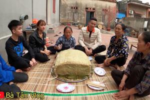 Bà Tân Vlog làm nồi bánh chưng xanh siêu to khổng lồ, dân tình bảo ra Giêng chắc cũng ăn không hết