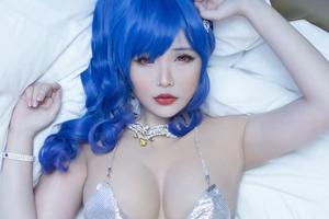 Khoe dáng gợi cảm khi hóa thân thành nhân vật game, nữ cosplayer gốc Việt khiến bao anh em 'xin chết'