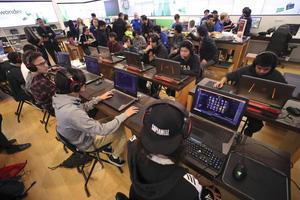 Bỏ học phí đắt đỏ vào trường eSports, nam game thủ đắng lòng khi phải học lại do trượt môn