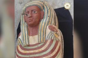 Khai quật hầm mộ cổ nghìn năm tuổi ở Ai Cập, tìm thấy