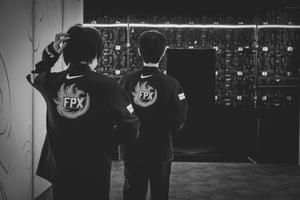 FPX đại bại 4 trắng ở CKTG 2021, cộng đồng LMHT sững sờ
