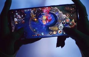 """Top smartphone cấu hình khủng không ngán """"con game"""" nào, chấp tất cả bom tấn nặng nhất"""