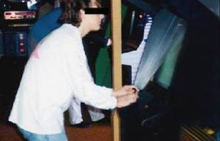 Kinh hãi tựa game khiến cho người chơi mất trí nhớ, âm mưu của thí nghiệm tẩy não hàng loạt trong lịch sử?