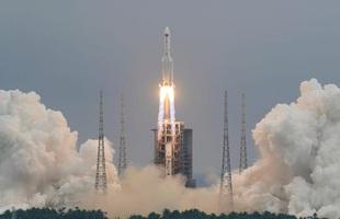 Phần lõi tên lửa nặng 21 tấn của Trung Quốc đang mất kiểm soát, có thể rơi xuống Trái Đất bất cứ lúc nào