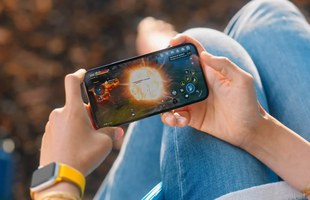 Trên tay bom tấn Mobile xuất hiện trong lễ ra mắt iPhone 13, áp đảo hoàn toàn với Tốc Chiến năm ngoái