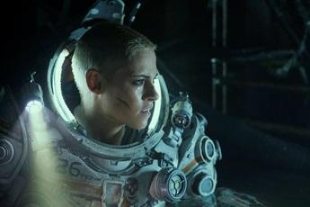 Underwater, sự mở màn đầy ấn tượng cho dòng phim kinh dị đầu năm 2020