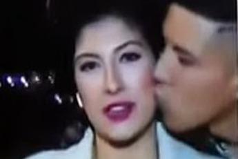 """Trót dại cưỡng hôn nữ phóng viên đang tác nghiệp trên sóng truyền hình trực tiếp, thanh niên nhận cái kết """"đắng"""" mất luôn 60 triệu đồng"""