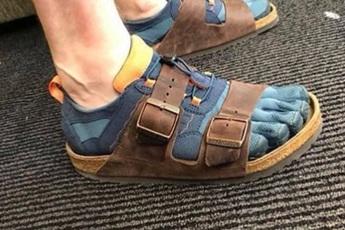 """Tài khoản Instagram chuyên đăng tải những đôi giày """"xấu điên xấu mù"""" chỉ tồn tại trong cơn ác mộng của bạn"""