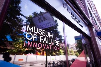 Bảo tàng những sản phẩm thất bại bậc nhất trong lịch sử: Colgate từng sản xuất đồ ăn, Oreo làm bánh cá