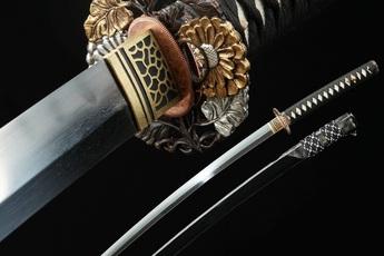 """Sự thật """"đắng lòng"""" về thanh kiếm Katana huyền thoại: Không hề """"xịn"""" như lời đồn"""