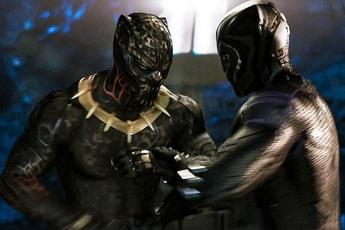"""5 lần vũ trụ điện ảnh Marvel gây """"tuột mood"""" cả ngày: Trận đấu của Black Panther dựng siêu ẩu cho kịp deadline, Nick Fury chột vì mèo?"""