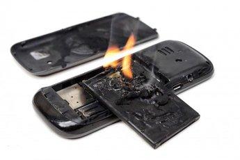 Cách xử lý cực nhanh khi phát hiện điện thoại bị phồng pin