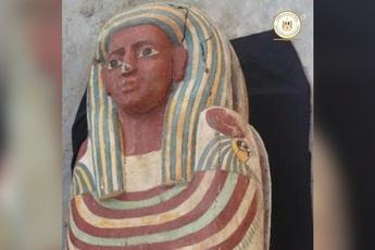 """Khai quật hầm mộ cổ nghìn năm tuổi ở Ai Cập, tìm thấy """"Cuốn sách của người chết' dài 4m"""