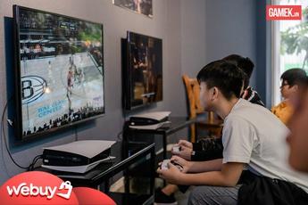 """Cận cảnh quán PS5 siêu """"xịn xò"""" đầu tiên tại Hà Nội"""