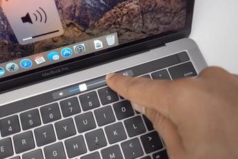 """Microsoft bỗng dưng """"cà khịa"""" thanh Touch Bar trên MacBook Pro của Apple"""