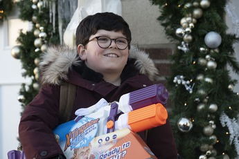 """Huyền thoại tuổi thơ """"Ở nhà một mình 2021"""" tung trailer đầu tiên, dự kiến khuấy đảo mùa Giáng sinh"""