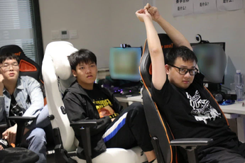 Quyết tâm giành vé đi CKTG, Suning trở thành đội LPL duy nhất có tất cả thành viên đạt Thách Đấu máy chủ Hàn Quốc