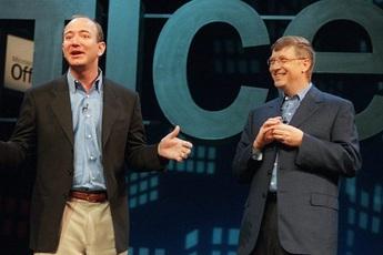 Điểm chung của Bill Gates và Jeff Bezos: Đều thích rửa bát