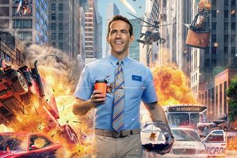 """""""Deadpool"""" Ryan Reynolds tình tứ với đả nữ game trong trailer cháy nổ mới toanh của """"Free Guy"""""""