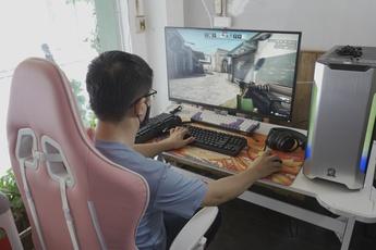 E-DRA lần đầu ra mắt màn hình gaming xịn sò, cả Nam - Bắc có 15 game thủ may mắn