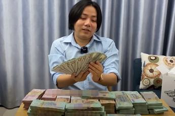 """YouTuber """"giàu"""" nhất Việt Nam dạy người xem cách thoát nghèo, tiết lộ năm lớp 9 đã biết kiếm tiền nhờ chơi VLTK"""