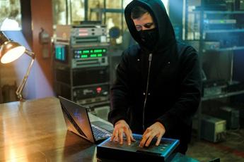 """ROG ra mắt laptop phiên bản đặc biệt Zephyrus G14 Alan Walker: Kết hợp """"chất chơi"""" giữa gaming và âm nhạc"""