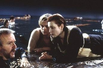 """Titanic và 10 bí mật hậu trường nghe mà kinh ngạc: Dàn diễn viên bị """"hành xác"""" đến rùng mình, Kate Winslet gặp tai nạn tới mức đòi bỏ phim!"""