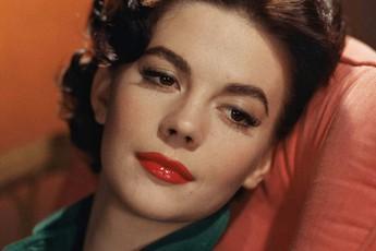 Tuổi thơ của những nữ minh tinh Hollywood: Sự thật đau đớn phía sau vỏ bọc sắc đẹp