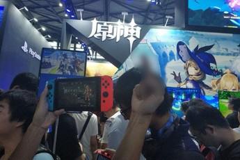 """Phản đối game """"đạo nhái"""" của Trung Quốc, người hâm mộ khủng bố NPH ngay tại hội chợ game"""